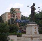 mahatma-gandhis-statue-at-chowk_02